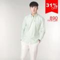 """:: เสื้อเชิ้ตแขนยาว ผ้าOxford - Premium Oxford Shirt ::   รายละเอียดสินค้า + ขนาด : Size S : ไหล่ 16"""" รอบอก 38"""" ความยาว 27"""" ความยาวแขน 23"""" Size M : ไหล่ 17"""" รอบอก 40"""" ความยาว 28"""" ความยาวแขน 23.5"""" Size L : ไหล่ 18"""" รอบอก 42"""" ความยาว 29"""" ความยาวแขน 24"""" Size XL : ไหล่ 19"""" รอบอก 44"""" ความยาว 30"""" ความยาวแขน 24.5"""" +โทนสี : เขียว + ราคา : 890 บาท  . . . . . . . . . . . . . . . . . . . . . . . . . . . . . . . . . .  คำอธิบายสินค้า (Description)  Premium Oxford Shirt (Imported material) เสื้อเชิ๊ต Oxford July Series  ผลิตจากผ้าคอตตอน 100% ทอแบบ Oxford ผ้าเกรด Premium นำเข้าจากต่างประเทศ ตัวผ้าไม่หนาหรือบางจนเกินไป ระบายอากาศได้ดี เหมาะกับอากาศของประเทศไทย ผิวสัมผัสนุ่มลื่น ผ่านขบวนการการที่ทำให้สีไม่ตก และลดอัตราการหดของผ้าจากการซักแล้ว  ทรง Regular fit พอดีตัว ช่วงอกเท่ากับส่วนเอวไม่เข้ารูปมากจนเกินไป เหมาะสำหรับทั้งวันทำงาน และวันสบายๆ คอปกแบบ Button Down Collar ให้ Look แบบ Smart casual เพิ่มดีเทลด้วยกระดุมที่ด้านหลังของคอเสื้อ ทำให้คอเสื้ออยู่ทรงสวยงาม งานตัดเย็บระดับพรีเมี่ยม กระดุมทุกเม็ดสั่งผลิตเป็นพิเศษสำหรับเสื้อของทางร้านเท่านั้น ปักโลโกร้านบนอกเสื้อด้านซ้าย และไม่ลืมกระดุมสำรองสำหรับเสื้อ SLOPE ทุกตัว  เสื้อเชิ๊ตรุ่นนี้สามารถซักด้วยเครื่องซักผ้าได้ ไม่แนะนำให้ใช้น้ำยาฟอกขาว ใช้แปรงในการซัก หรือแช่ผ้านานเกินไป  . . . . . . . . . . . . . . . . . . . . . . . . . . . . . . . . . .  #SLOPEMenswear #men #ผู้ชาย #เสื้อเชิ้ต #เสื้อเชิ้ตแขนยาว #เสื้อเชิ้ตสีขาว #เสื้อเชิ้ตคอจีน #SLOPEMenswear #SLOPEMenswear"""