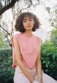 เสื้อคอกลม แขนกุด ผ้ายีนส์สีชมพูอ่อน และดีเทลชายรุ่ยเท่ๆ สามารถเอามา mix&match กับไอเทมต่างๆในตู้เสื้อผ้าได้อย่างง่ายดาย  Freesize รอบอก 38 นิ้ว ยาว 16 นิ้ว  #dottodot33 #pink #pinkdenim #denim #tanktop #tank #เสื้อกล้าม #เสื้อยีนส์ #เสื้อแขนกุด #streetsnap #streetstyle  #Dottodot33