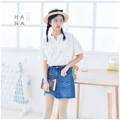 """❁ Hiroki Blouse เสื้อแขนสั้นผ้า cotton 100% เนื้อสัมผัสคล้ายลินิน ทอนุมใส่สบายมาก เนื้อผ้าเป็นลายทางเส้นสีชมพู, สีน้ำเงิน เพิ่มลูกเล่นด้วยการปักลาย X ทั้งชิ้น คอแมนดารินด้านหน้าคอวีเล็กน้อยมีกระดุมหนึ่งเม็ด ใส่กับยีนส์น่ารักมาก - - - - - - - - - - - - •• มี 2 สี : ลายเส้นสีชมพู, ลายเส้นสีน้ำเงิน •• ยาวหน้า 24.5"""" ยาวหลัง 26.5"""" อก 39"""" ไหล่ 15.5""""- 17"""" รอบต้นแขน 17"""" •• ราคา 490 บาท  #เสื้อผ้าผู้หญิง #เสื้อผู้หญิง #เสื้อแขนสั้น"""
