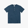 """เสื้อเฮนรี่สีกรมแขนสั้น #IDHNHenleyTees เป็นเสื้อยืดที่คล้ายเสื้อโปโลแต่ไม่มีปก เป็นเสื้อสไตล์ Pullover ติดกระดุม 3 เม็ด เหมาะสำหรับใส่ทับเสื้อยืดหรือใส่เป็นเลเยอร์ไว้ข้างใต้ หรือจะใส่เดี่ยวๆก็ได้ เสื้อ Henley จะเป็นอีกทางเลือกของคนชอบใส่เสื้อยืด ให้อารมณ์กึ่งๆ Business Casual ช่วยเสริมบุคคลิกให้กับผู้ใส่ แถมยังช่วยให้ดูหุ่นดีขึ้นด้วยน้าา : )  Color : Navy Unisex Size : S / M / L / XL Fabric : Cotton 100%  **available size: S / M / L / XL -------------------------------------------------------------- **SIZE** Size S: Chest 39"""" l Shoulder 16.5"""" l Length 27.5"""" l Sleeve 7.5""""  Size M: Chest 41"""" l Shoulder 17.5"""" l Length 28.5"""" l Sleeve 8""""  Size L: Chest 43"""" l Shoulder 18.5"""" l Length 29.5"""" l Sleeve 8"""" Size XL: Chest 46"""" l Shoulder 19"""" l Length 30"""" l Sleeve 8.5""""  #เสื้อยืด #tshirt"""
