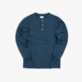 """เสื้อเฮนรี่ #IDHNHenleyTees เป็นเสื้อยืดที่คล้ายเสื้อโปโลแต่ไม่มีปก เป็นเสื้อสไตล์ Pullover ติดกระดุม 3เม็ด เหมาะสำหรับใส่ทับเสื้อยืดหรือใส่เป็นเลเยอร์ไว้ข้างใต้ หรือจะใส่เดี่ยวๆก็ได้ เสื้อ Henley จะเป็นอีกทางเลือกของคนชอบใส่เสื้อยืด ให้อารมณ์กึ่งๆ Business Casual ช่วยเสริมบุคคลิกให้กับผู้ใส่ แถมยังช่วยให้ดูหุ่นดีขึ้นด้วยน้าา : )  Color : Navy Unisex Size : S / M / L / XL Fabric : Cotton 100%  **available size: S / M / L / XL -------------------------------------------------------------- **SIZE** Size S: Chest 39"""" l Shoulder 16.5"""" l Length 27.5"""" l Sleeve 24.5""""  Size M: Chest 41"""" l Shoulder 17.5"""" l Length 28.5"""" l Sleeve 25.5""""  Size L: Chest 43"""" l Shoulder 18.5"""" l Length 29.5"""" l Sleeve 26"""" Size XL: Chest 46"""" l Shoulder 19"""" l Length 30"""" l Sleeve 26""""  #เสื้อยืด #tshirt"""