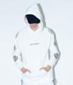 """[ลดราคาเหลือ 1,445 บาท จากราคาปกติ 2,890 บาท] ***วันนี้จนกว่าสินค้าจะหมด***  ชื่อสินค้า : Explorer Oversize Hoodie เสื้อยืด แขนยาว สีขาว มีฮู้ด Flex ลาย Graphic  รายละเอียดสินค้า + ขนาด : Oversize อก 48"""" ยาว 30"""" + เนื้อผ้า : ผ้า Heavy Cotton + สี : ขาว  #เสื้อยืด #เสื้อยืดคอกลม #เสื้อยืดแขนยาว #คอกลม #แขนยาว #เสื้อยืดผู้ชาย"""