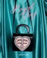 Royal bag ราคา:1690 บาท วัสดุ : หนังเทียม (PU) กะเป๋าสามารถถือและสะพานข้างได้ สามารถใส่ iphone 7+ ได้(ได้ทุกรุ่น) ของลงที่รัานแล้วค่า  #Daddyandthemuscleacademy #กระเป๋า #กระเป๋าผู้หญิง #กระเป๋าหนัง #กระเป๋าสะพาย #กระเป๋าถือ #กระเป๋าดำ