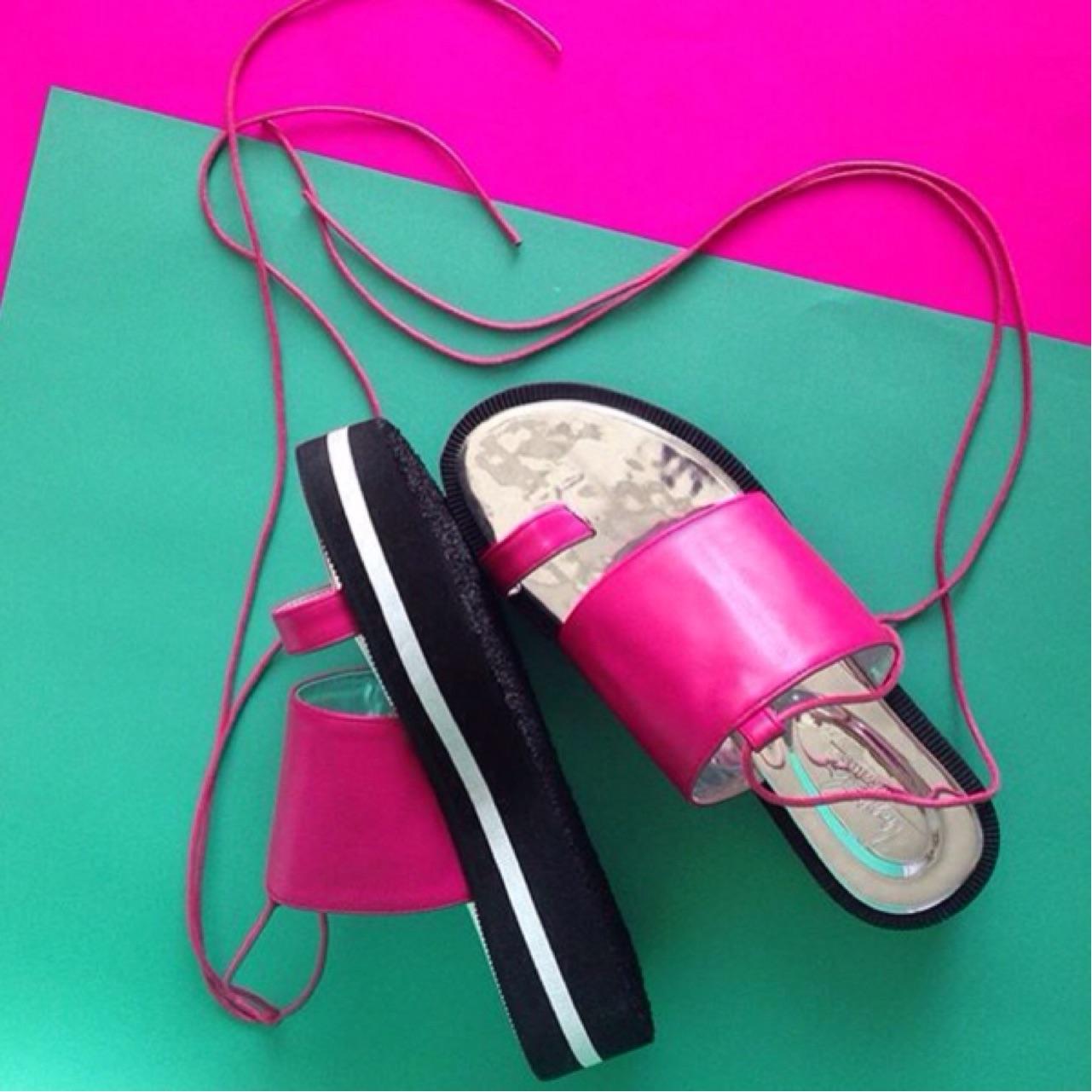 TropicalTraveller,shoes,fashion