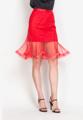 """แฝงไว้ซึ่งเสน่ห์เย้ายวนใจในแบบเลดี้ไปกับกระโปรงจากแบรนด์ Mirror Dress ตัวนี้ที่ตัดเย็บมาจากผ้าตาข่ายแบบนุ่ม คัตติ้งโค้งเล่นลายสวยงาม ช่วงปลายทำเป็นคลื่นแบบใบบัว พร้อมผ้าซับในเนื้อลื่นสวมใส่สบายในแบบความยาวระดับพอเหมาะที่จะมาช่วยเสริมเรียวขาของคุณให้ดูสวยเพรียวไปอีก แมตช์ง่ายในทุกๆ วันสบายๆ ไปจนถึงวันทำงาน   - ตัดเย็บจากผ้าโพลีเอสเตอร์ - ขอบเอวสูง - ติดซิปซ่อนด้านหลัง - ทรงปกติ - มีซับใน   เอว x สะโพก x ยาว (นิ้ว) S ( 25"""" x 31.5"""" x 24.5"""" ) M ( 26.3"""" x 33.5"""" x 24.5"""" ) L ( 27.5"""" x 35.5"""" x 24.5"""" )"""