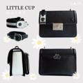 ชื่อสินค้า : THE'TIME COLLECTIONS Little Cup กระเป๋าสะพาย ใบเล็ก สำหรับคุณผู้หญิง เป็นกระเป่าหนัง PU ดีไซน์เรียบง่าย สีน้ำเงิน ทอง ดูหรูหราไม่ซ้ำใคร ด้านหลังของกระเป๋ามีช่องซิป สำหรับใส่ของเล็กๆอีก 1 ช่อง สะดวกต่อการใช้งานเป็นที่สุด นอกจากนี้ใน 1 เซ็ตยังมีสายกระเป๋าให้ 2 แบบ คือแบบสายผ้า และสายหนัง สามารถปรับระดับความยาวได้ทั้งคู่นะคะ ไอเท็มน่ารักๆแบบนี้ไม่มีไม่ได้แล้วว  รายละเอียดสินค้า + โทนสี : สีขาวดำ (Daisy) + ขนาด : 9x19x14 cm  (กว้างxยาวxสูง) + วัสดุ : Imported PU  + มี 2 long straps มี 2 สาย ปรับความยาวได้ทั้งคู่ + รุ่นนี้มีซิปด้านหลังสะดวกต่อการใช้งานมากๆค้า:)   #SPACEME #กระเป๋า #กระเป๋าผู้หญิง #กระเป๋าถือ #กระเป๋าสะพาย #กระเป๋าหนัง #กระเป๋าใบเล็ก