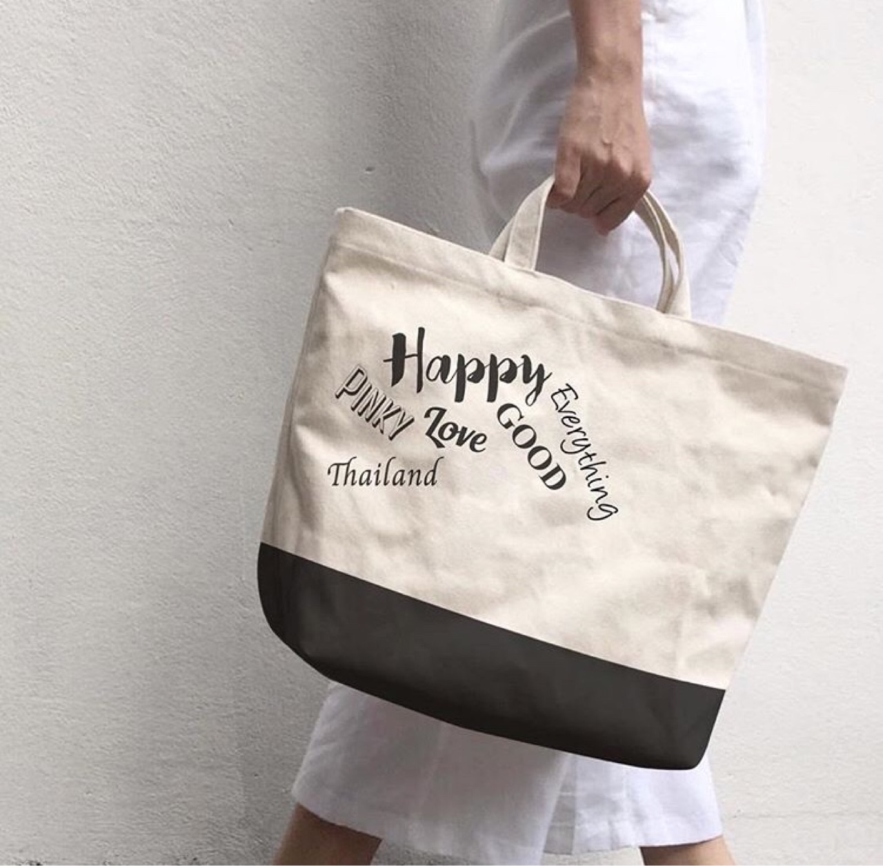 bag,canvas,canvasbag,tophandlebag,กระเป๋า,minimal,streetstyle,fashion,Lapindesigns,กระเป๋าผ้า,กระเป๋าถือ