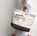 กระเป๋า TwoTone Size L มีสีให้เลือกนะคัสนใจสอบถามเพิ่มเติมได้เลยนะคะ  #bag  #canvas #canvasbag #tophandlebag #กระเป๋า #minimal #streetstyle #fashion #Lapindesigns #กระเป๋า #กระเป๋าผ้า #กระเป๋าถือ