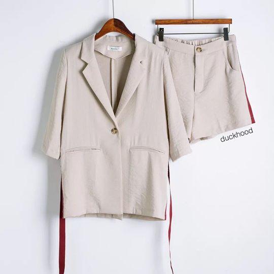 เสื้อผู้หญิง,เสื้อผ้าผู้หญิง,เสื้อคลุม,เสื้อคลุมแขนยาว,เสื้อคลุมตัวยาว,เสื้อสูท,เสื้อโค้ช,กางเกง,กางเกงผู้หญิง,กางเกงผู้หญิงขาสั้น,กางเกงขาสั้น,กางเกงขาสั้นผู้หญิง