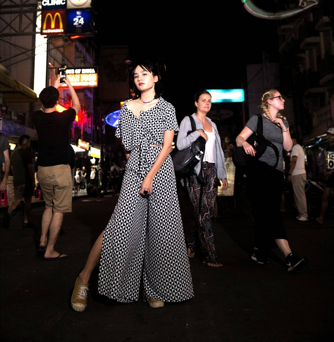 เสื้อผ้าผู้หญิง,เสื้อผู้หญิง,เสื้อแขนสั้น,เสื้อผูกเอว,กางเกง,กางเกงผู้หญิง,กางเกงขายาว,กางเกงขายาวผู้หญิง,กางเกงผู้หญิงขายาว