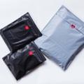 """ซองไปรษณีย์พลาสติก สีดำ • ซองสำหรับใส่ของส่ง เพื่อแม่ค้าพ่อค้าแบรนด์ เป็นซองคุณภาพดี เหนียว ทนทาน เหมาะสำหรับส่งของหลายประเภท โดยแบรนด์ Zongggd เราเป็นแบรนด์ Packing Design ที่มีประสบการณ์ และมีรูปแบบซองที่หลากหลายให้เลือก *โดยเฉพาะสี* แบรนด์ใหญ่ๆหลายแบรนด์คือลูกค้าของเรา และแบรนด์ใหม่ๆหลายแบรนด์ ก็คือเพื่อนใหม่ของเรา เราจึงเข้าใจลูกค้าทุกสไตล์เป็นอย่างดี  ▪️คุณสมบัติพิเศษของซอง Zongggd - กันน้ำ / ไม่เปื่อย / ไม่ยุ่ย / ไม่ยับ - น้ำหนักเบา (ลดต้นทุนการขนส่ง) - แถบกาวเหนียวพิเศษพร้อมติด (ติดสะดวก ไม่เปลืองต้นทุนเทป)  PACK WITH LOVE ❤️  """" เพราะคุณขายดี จึงมีเรา เติบโตไปพร้อมๆกันนะ""""  ◾️รูปแบบการสั่ง ขั้นต่ำ 100 ซอง / 500 ซอง / 1000 ซอง (ส่งฟรี)  —— NOTE. —— """"Zongggd @ ShopSpot"""" เป็นแอคเคาท์พิเศษที่เป็นส่วนหนึ่งของแบรนด์ Zongggd© ซึ่งแยกตัวออกมาเพื่อบริการเพื่อนๆ ร้านค้าในแอพ ShopSpot และ ShopSpotter ทุกคนครับ :-)  #ซองไปรษณีย์พลาสติก"""