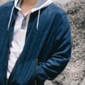 WHATS UP Leather Bomber Jacket  with zip fastening, side pocket and elastic collar, cuffs and hem.  Colors : Green / Blue / Maroon / Grey / Black Size : M(40-42) L(42-44)   แจคเก็ตหนังกลับ ผ่าด้านหน้าด้วยซิบและกระเป๋าด้านข้าง จั๊มที่ปลายแขนและเอว ให้ลุคดูเท่และคูล mix and match ง่าย ด้านในบุด้วยผ้ซึ่งระบายความร้อนได้ดี แม้ในประเทศแบบบ้านเราก็ตาม     ผลิตออกมาทั้งด้วยกันทั้งหมด 5 สี เขียว / น้ำเงิน / เลือดหมู / เทา / ดำ  *สีอื่นๆลงขายในเพจแล้วนะครับ กดซื้อจากหน้าเพจได้เลยครับ  ขนาดค่อนข้าง Oversize นะครับ   M รอบอก 40-42นิ้ว ยาว 26นิ้ว ไหล่18นิ้ว แขนยาว 25นิ้ว วงแขน10.5นิ้ว  L  รอบอก42-44 นิ้ว ยาว28 นิ้ว ไหล่19 นิ้ว แขนยาว26.5 นิ้ว วงแขน11 นิ้ว  #เสื้อคลุม #เสื้อแจ็คเก็ต #แจ็คเก็ต #เสื้อแจ็คเก็ตแขนยาว #jacket