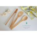 ชุด Cutlery set (3 ชิ้น) สินค้านำเข้าจากญี่ปุ่น ประกอบด้วย - ตะหลิว (30 cm) - ช้อนคนซุป (30 cm) - ไม้คีบ (30 cm)  วัสดุ : natural bamboo