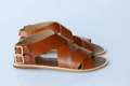 รองเท้าแตะสไตล์แกดิเอเตอร์ ทำจากหนังวัวแท้ สายรัดเป็นแบบเข็มขัดสีทองเหลือง ทนทาน ดูหรูหรา  Size 35 / 21.5 cm Size 36 / 22.5 cm  #รองเท้า #รองเท้าผู้หญิง