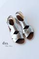 รองเท้าแตะสไตล์แกลดิเอเตอร์ ทำจากหนังวัวแท้ สายรัดเป็นเข็มขัดสีทองเหลือง ดูหรูหรา ทนทาน สวมใส่ได้กับทุกชุด  Size 37 / 23.5 cm  #รองเท้า #รองเท้าหุ้มส้น