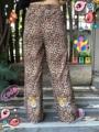 ชื่อสินค้า : Tiger pants กางเกงขายาว เอวยางยืด ลายเสือ มีปักเสือด้านหลัง (รอบเอวยืดถึง 88 cm)  #กางเกง #กางเกงขายาว #กางเกงผู้หญิง #กางเกงผู้หญิงขายาว #กางเกงขายาวผู้หญิง