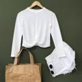 """White Winter Top : เสื้อต้อนรับฤดูหนาว สีขาวดูสะอาดตา รุ่นนี้ใส่สบายมากๆ เก๋ตรงด้านหน้าม้วนทวิส ไม่อยากพลาดรอบนี้สั่งเลยนะคะ คอนเฟิร์มว่าน่ารักชัวร์ (Price 490฿) . B 32""""-36"""" L18"""" . #เสื้อผ้าผู้หญิง #เสื้อผู้หญิง #เสื้อแขนยาว #เสื้อยืด #เสื้อยืดคอกลม #เสื้อยืดผู้หญฺง #เสนื้อยืดคอกลมแขนยาว"""