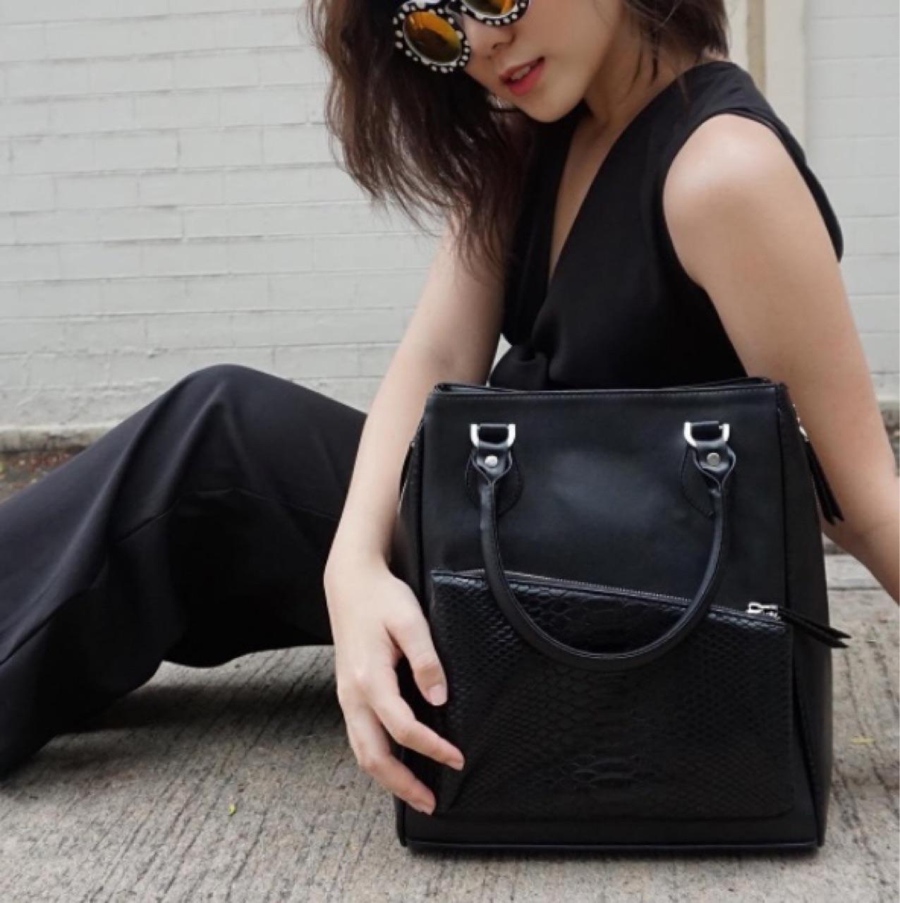 ucanwear,torytote,bagdesign,bagshop,unique,minimal,simplestyle,UCANWEAR,กระเป๋า,กระเป๋าหนัง,กระเป๋าสะพาย,กระเป๋าถือ,กระเป๋าผู้หญิง