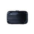 กระเป๋า Moof49 Kit Plus Black สีดำ ราคา 450 บาท  ขนาดกระเป๋า กว้าง 17 cm สูง 11 cm ลึก 7 cm  คุณสมบัติ - มีสายยาว สามารถสะพายคาดตัวได้ เบาสบาย พกพาไปได้ทุกที่ - กระเป๋าใบเล็กสำหรับพกพาเดินทาง ช่วยกันกระแทก  - สามารถใส่ iPhone 7+ หรือ Galaxy Noteได้  - ผลิตจากวัสดุ ABS ผสม PC คุณภาพสูง - แข็งแรงทนทานและเงาสวย  - ผิวกันน้ำ เช็ดทำความสะอาดได้ง่าย น้ำหนักเบา