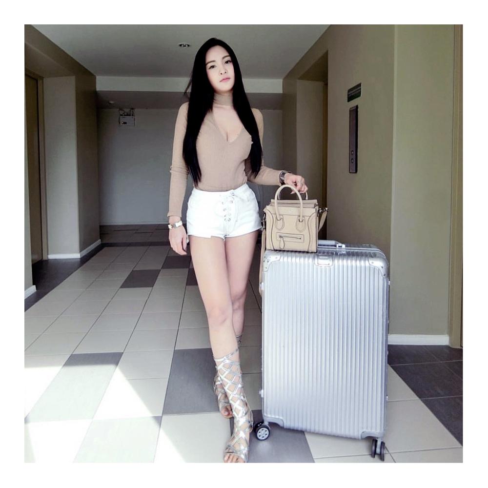 moof49,luggage,กระเป๋าเดินทาง,travel,trip,baggage,suitcase,Silver,letsmoof,supportmoof49,travelwithmoof,กระเป๋า,กระเป๋าลาก,กระเป๋าเดินทางล้อลาก