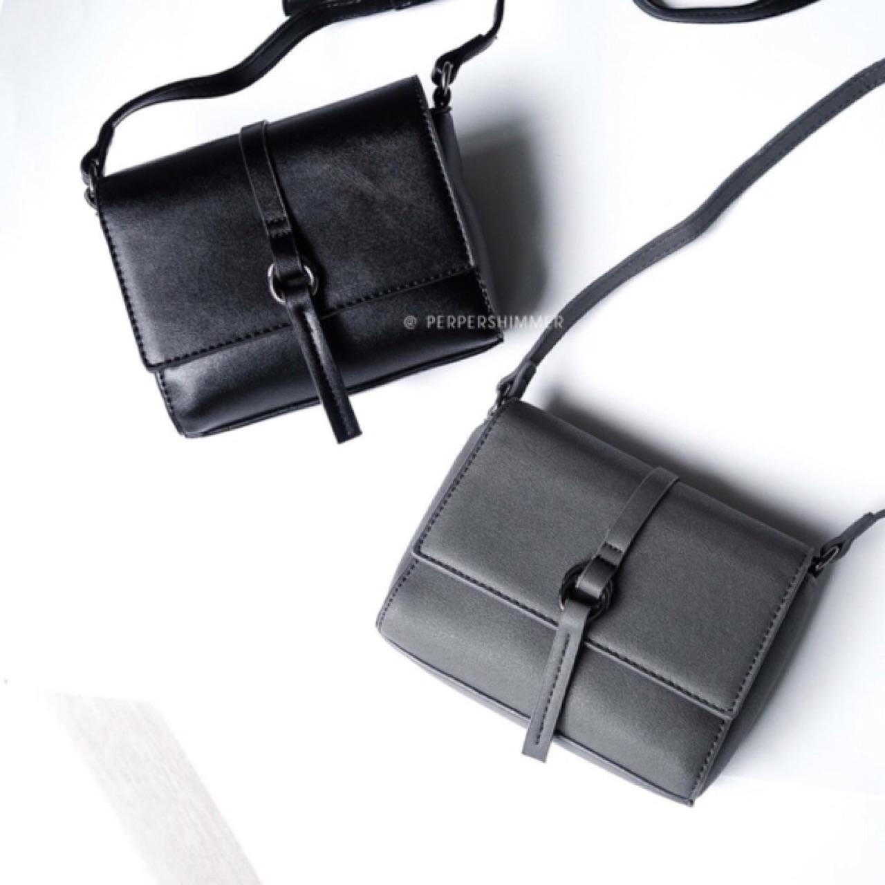 กระเป๋า,กระเป๋าผู้หญิง,กระเป๋าสะพาย,กระเป๋าหนัง,กระเป๋าใบเล็ก
