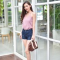 "Collection : GG (Gubgib) Colors : ( สีกรม ) Sizes : S M L XL  Size : S M L XL ⠀S : 24-25""/32-33"" ⠀M : 26-27""/34-35"" ⠀L : 28-29""/36-37"" XL : 30-31""/38-39""  #กางเกง #กางเกงผู้หญิง #กางเกงขาสั้น #กางเกงยีนส์ #กางเกงยีนส์ขาสั้น #กางเกงผู้หญิงขาสั้น #กางเกงขาสั้นผู้หญิง"
