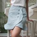 """ชื่อสินค้า : Frilled Skirt กระโปรงสั้น เข้ารูปทรงดินสอเล็กๆ ระบานที่ชายกระโปรง อยู่ทรงสวย สามารถใส่เข้าคู่ได้กับทั้งเสื้อยืด และ เสื้อเชิ้ต ไปได้ทั้งทำงาน และไปเที่ยวเลยค่า  Size:  S - Waist 26"""" Hip 36"""" Length 17"""" M - Waist 28"""" Hip 38"""" Length 17.5"""" L - Waist 30"""" Hip 40"""" Length 18""""  Color: Pink, Blue, Grey  #กระโปรง #กระโปรงสั้น"""