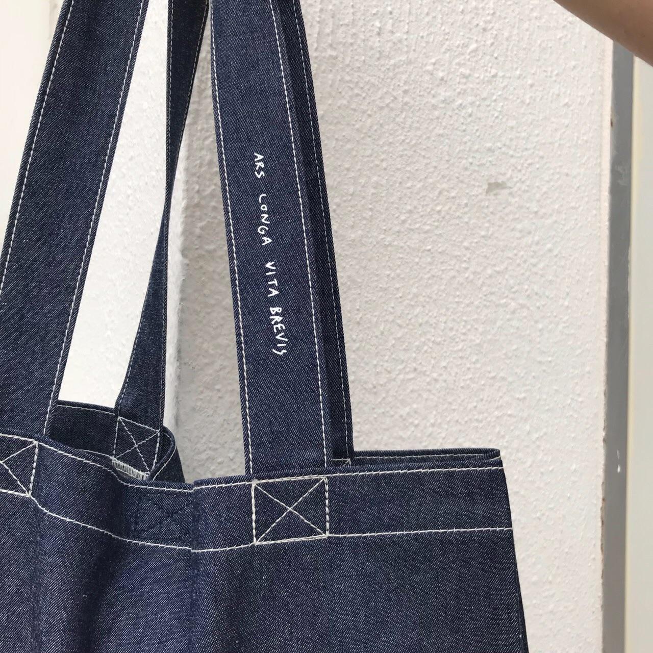 กระเป๋า,กระเป๋าผ้า,กระเป๋าสะพาย,กระเป๋าถือ