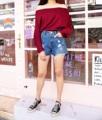 กางเกงยีนส์ขาสั้น เนื้อผ้าดีมากก ใส่กับเสื้อยืด เสื้อเชิ๊ตได้หมด  price : 350 THB size : รุ่น (6850) S : เอว26 สะโพก35 ยาว12 รอบขา22นิ้ว  #กางเกง #กางเกงขาสั้น #กางเกงผู้หญิง #กางเกงยีนส์ #กางเกงยีนส์ขาสั้น #กางเกงขาสั้นผู้หญิง #กางเกงผู้หญิงขาสั้น #กางเกงยีนส์ผู้หญิง