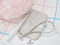 Marietta #TinnyLINDA' ( More Image | #TinnyLINDA ) 🌿 กระเป๋าสตางค์ใบเล็ก ใส่ Iphone7 ได้ มาพร้อมสายคล้องมือ ให้สาวๆได้ช็อปกันอย่างสบายใจไม่ต้องกลัวหาย ใส่เครื่องสำอางได้หลายชิ้น  Box set : เหมาะสำหรับคนที่กำลังหาของขวัญให้ในวันรับปริญญา วันเกิด มากๆค่ะ - สี : ดำ/น้ำเงิน/เทา/แดง/ชมพู/ตาลเข้ม/ครีม/ไบรท์ ขนาด : 17 x 10 cm ราคา : 390 บาท ฟรีส่ง Ems  #กระเป๋า #กระเป๋าสตางค์