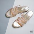 Get your happy on :) Sandals รุ่นนี้สาวคนไหนลองเป็นติดใจเพราะมีน้ำหนักเบา ใส่เดินทั้งวันสบายมากมากค่า :) Color : Rose Gold Size : 36 - 41