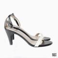 """Get your happy on :) Kylie ~ รุ่นนี้น้ำหนักเบา เดินแล้วไม่เมื่อยเท้า ใส่ง่าย เข้าได้กับทุกชุดเลยค่า :) Color : white Size : 35 - 40 Height : 2.5""""  #รองเท้า #รองเท้าส้นสูง #รองเท้ารัดส้น"""