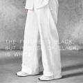 """กางเกงขากระบอกตรงสุดคลาสสิค สำหรับสาวกแนว over-sized กับปลายขากว้าง 22นิ้ว บนผ้าคุณภาพสูงจากประเทศญี่ปุ่น ออกแบบโดยดีไซน์เนอร์ไทย ตัดเย็บด้วยความประณีต  มาด้วยสีขาวออฟไวท์(Cotton 100%) ทอเส้นคู่ขึ้นลาย canvas *ผ้าผลิตขึ้นที่ประเทศญี่ปุ่น เสื้อผ้าตัดเย็บที่ประเทศไทย --------------------------------- Wide Leg Trousers (กางเกงขายาวทรงขากว้าง) Code : P-002 Color: Off-White (ขาวออฟไวท์) Size : Free Size/Unisex (ขนาด:ฟรีไซส์/ใส่ได้ทั้งชายหญิง) --------------------------------- Waist(เอว) = 26""""-34"""" (Elastic Waist : เอวด้านหลังเป็นยางยืดคุณภาพสูง) Total Length(ยาวทั้งตัว) = 41"""" Leg End Open(ปลายขากว้าง) = 22"""" --------------------------------- Models' Measurements(สัดส่วนนายแบบ-นางแบบ) Women(ผู้หญิง): Height 173cm/Weight 54kg Bust32""""/HighWaist 26""""/LowWaist 29""""/Hips34""""  ----------------------------------------------------- #men #women #pants #unisex #ผู้ชาย #ผู้หญิง #กางเกงผู้ชาย #กางเกงผู้หญิง #กางเกงขายาว #กางเกงขายาวสีดำ #กางเกงขายาวสีขาว #กางเกงขากระบอก"""