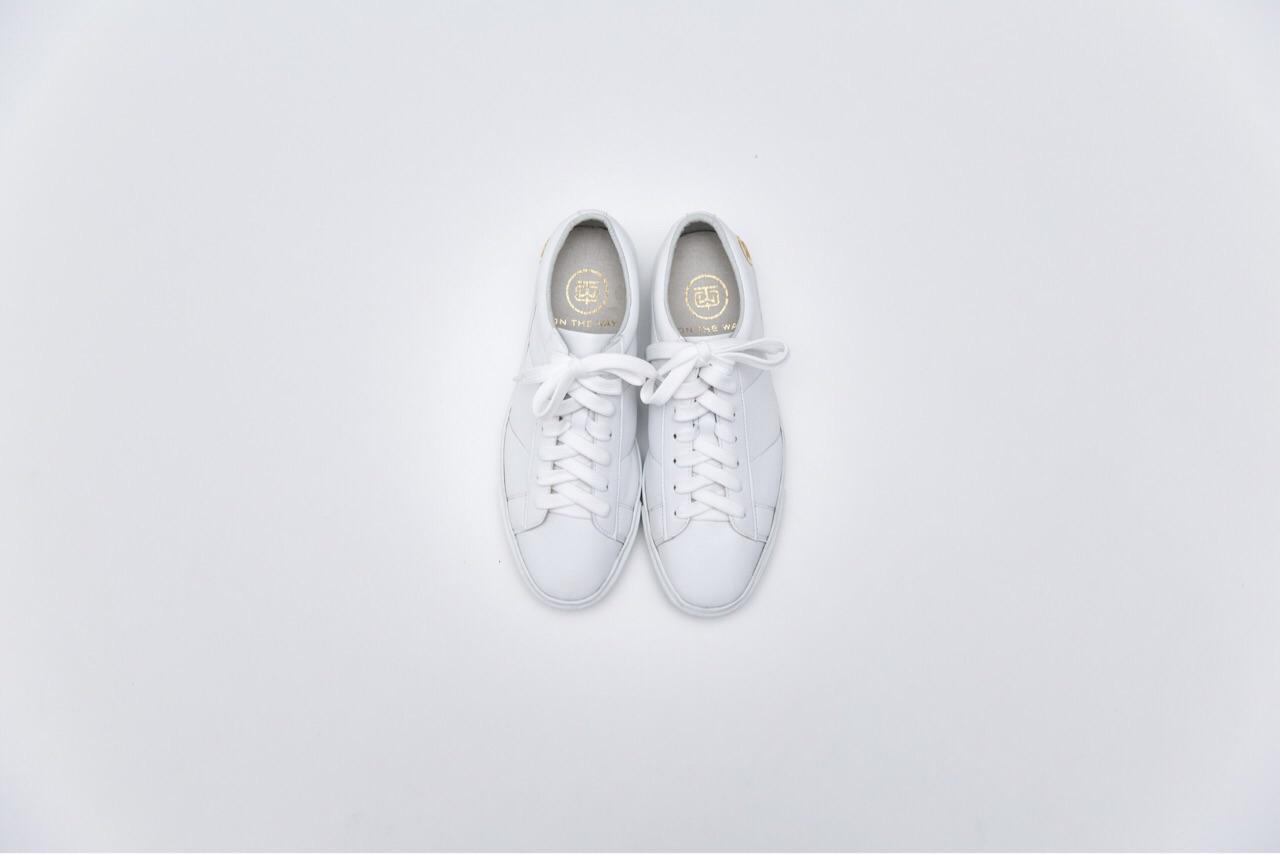 รองเท้า,รองเท้าผ้าใบ,รองเท้าผู้หญิง