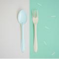 Green Mint Spoon+Yellow Fork : Switch🍭 Sweet Collection  🍦 เพราะเราคิดว่าเราไม่ต้องเหมือนกันทุกอย่าง เราก็อยู่ด้วยกันได้อย่างสบาย ในชีวิตประจำวันเราจะเห็นของที่เป็นคู่ๆกันมักจะเหมือนกันไปซะทุกอย่าง ไม่ว่าจะเป็น รองเท้า ถุงเท้า ตะเกียบ รวมไปถึงช้อนส้อม แล้วถ้าหากพวกนั้นเป็นคู่กันเเต่ไม่เหมือนกันหล่ะจะเป็นยังงัย? เข้ากันได้มั้ย? และน่ารักขนาดไหน?🍦 .  จึงกลายมาเป็น concept สนุกๆ ของช้อนส้อม Switch🍭Sweet สลับสีสัน เพิ่มความน่ารัก สนุก และตื่นเต้นให้กับคนที่ได้ใช้ และสีสันที่แสนหวานมาจัดเต็มถึง 7 สีกันเลย นอกจากนี้เรายังปรับดีไซน์ ทั้งตัวช้อนให้ลึกเพื่อตักซุปได้มากขึ้น ด้ามจับที่ยาวขึ้นเพื่อให้จับได้ถนัดมากขึ้น และสุดท้ายเราปรับความหนาของ Stainless Steel หนาขึ้นและมีน้ำหนักมากขึ้นอีกด้วย  ✐ รายละเอียดสินค้า  • สี : ช้อนสีเขียวมิ้น + ส้อมสีเหลือง • วัสดุ: Stainless Steel, Enamel • ความกว้าง 4.5 cm • ความยาว 19 cm.  ✐ วิธีใช้งาน และการดูแลเก็บรักษา   • สามารถใช้กับเตาอบและเครื่องอบไอน้ำ ความร้อนสูงสุดที่ 356F / 180C • สามารถน้ำเข้าช่องเเช่แข็งได้ • ไม่สามารถโดนเปลวไฟ • ไม่สามารถนำเข้าไมโครเวฟได้ เนื่องจากสินค้ามีวัสดุเป็นเหล็ก จึงไม่สามารถเอาเข้าไม่โครเวฟได้ • ล้างด้วยมือและฟองน้ำนิ่มๆ หลีกเลี่ยงการใช้แปร หรือ ฝอยขัดหม้อ อาจทำให้พื้นผิวของสินค้าขรุขระได้  • เช็ดหรือตากให้แห้งก่อนเก็บ • สามารถใช้กับเครื่องล้างจานได้ • หากกรณีสีที่เคลือบหลุดเห็นเหล็กด้านใน เหล็กกล้าโดยธรรมชาติจะถูกออกซิเดสและออสซิลโลแวร์ปลอดภัยต่อการใช้งาน