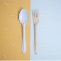 Light Blue Spoon+Orange Fork : Switch 🍭 Sweet Collection  🍦 เพราะเราคิดว่าเราไม่ต้องเหมือนกันทุกอย่าง เราก็อยู่ด้วยกันได้อย่างสบาย ในชีวิตประจำวันเราจะเห็นของที่เป็นคู่ๆกันมักจะเหมือนกันไปซะทุกอย่าง ไม่ว่าจะเป็น รองเท้า ถุงเท้า ตะเกียบ รวมไปถึงช้อนส้อม แล้วถ้าหากพวกนั้นเป็นคู่กันเเต่ไม่เหมือนกันหล่ะจะเป็นยังงัย? เข้ากันได้มั้ย? และน่ารักขนาดไหน?🍦 .  จึงกลายมาเป็น concept สนุกๆ ของช้อนส้อม Switch🍭Sweet สลับสีสัน เพิ่มความน่ารัก สนุก และตื่นเต้นให้กับคนที่ได้ใช้ และสีสันที่แสนหวานมาจัดเต็มถึง 7 สีกันเลย นอกจากนี้เรายังปรับดีไซน์ ทั้งตัวช้อนให้ลึกเพื่อตักซุปได้มากขึ้น ด้ามจับที่ยาวขึ้นเพื่อให้จับได้ถนัดมากขึ้น และสุดท้ายเราปรับความหนาของ Stainless Steel หนาขึ้นและมีน้ำหนักมากขึ้นอีกด้วย  ✐ รายละเอียดสินค้า  • สี : ช้อนสีฟ้าอ่อน + ส้อมสีส้ม • วัสดุ: Stainless Steel, Enamel • ความกว้าง 4.5 cm • ความยาว 19 cm.  ✐ วิธีใช้งาน และการดูแลเก็บรักษา   • สามารถใช้กับเตาอบและเครื่องอบไอน้ำ ความร้อนสูงสุดที่ 356F / 180C • สามารถน้ำเข้าช่องเเช่แข็งได้ • ไม่สามารถโดนเปลวไฟ • ไม่สามารถนำเข้าไมโครเวฟได้ เนื่องจากสินค้ามีวัสดุเป็นเหล็ก จึงไม่สามารถเอาเข้าไม่โครเวฟได้ • ล้างด้วยมือและฟองน้ำนิ่มๆ หลีกเลี่ยงการใช้แปร หรือ ฝอยขัดหม้อ อาจทำให้พื้นผิวของสินค้าขรุขระได้  • เช็ดหรือตากให้แห้งก่อนเก็บ • สามารถใช้กับเครื่องล้างจานได้ • หากกรณีสีที่เคลือบหลุดเห็นเหล็กด้านใน เหล็กกล้าโดยธรรมชาติจะถูกออกซิเดสและออสซิลโลแวร์ปลอดภัยต่อการใช้งาน