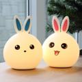 โคมไฟกระต่าย ผิวซิลิโคน มีให้เลือกหูสีฟ้า และหูสีชมพู ทุบๆแตะๆ เปลี่ยนสีได้
