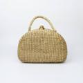 กระเป๋าสานผลิตจากผักตบชวา ด้านในซับในด้วยผ้าคอตตอน 100% ขนาด 26x16x11 เซนติเมตร  #กระเป๋า #กระเป๋าถือ #กระเป๋าสาน