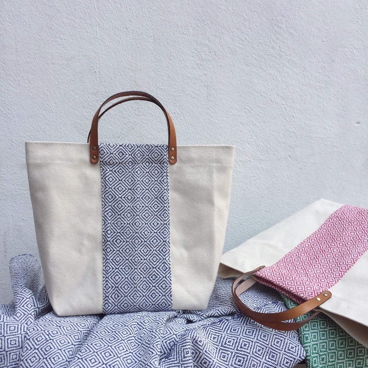 ของชำร่วย,canvasbags,canvasbag,bags,bag,nametag,pouch,pouchbag,handbag,handbags,nametagbag,custom,customized,topHandleBag,tophandlebag,chic,fashion,กระเป๋า,กระเป๋าผ้า,กระเป๋าถือ