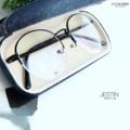 กรอบบางยอดขายอันดับ No. 1 🥇  JESTIN สามารถนำไปเปลี่ยนเลนส์สายตาได้ Price 490 บาท มาพร้อมกล่องแว่นอย่างดี และผ้าเช็ดเลนส์ รับตัดเลนส์สายตา  📮 ส่งฟรีทั่วประเทศ  ------- 👓 Size : 52-17-137:: -------