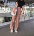 กางเกงขากระบอก  ผ้าโพลีเอสเตอร์ผสมสเปนเดกซ์ มี2ไซส์นะคะ เช็คไซส์ได้จากรูปสุดท้าย ด้านหลังเป็นสม้อค  สี : ชมพู Oldrose  #กางเกง #กางเกงผู้หญิง #กางเกงขายาว #กางเกงขายาวผู้หญิง #กางเกงผู้หญิงขายาว