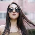 GQSun-033 Price: THB 3,990 UV 400 Sunglasses Lens  แว่นกันแดดสไตล์ aviator ดีไซนน์มีขอบสีและมีเลนส์กันแดด UV400 ที่มีสีที่เข้ากัน ทำจากวัสดุคุณภาพดีที่มีน้ำหนักเบา  Frame Size: 55□18-140○50 Frame Width: L (140 MM) Weight: 16 g   โทนสี : Monochrome ตัวเลือกสี : Black ผิววัสดุ : Matte ทรง : Aviator/Pilot, Drop กรอบแว่น : Full Rim วัสดุ : Titanium  #GLAZZIQ#Eyewear #Sunglasses #แว่นตา #แว่น #แว่นกันแดด