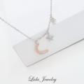 To The Moon And Back necklace สร้อยคอรุ่นนี้จะยาว 29.5ซม - 34.5ซม นะคะ  จี้พระจันทร์สามารถเลือกได้ระหว่างสี Rose gold และ สี Gold  ราคา 1,290 บาท (ส่งให้ฟรีค่ะ) หรือสามารถไปเลือกซื้อกันได้ที่ SOS สยามซอย2 (ชั้น2) ค่ะ