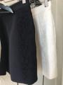 """กางเกงขาสั้นแบบมีขอบ ตัดแต่งผ้าพื้นและลูกไม้สีเดียวกันด้านข้าง ทำให้ดูหรูมากขึ้น ตัวกางเกงอัดกาวให้อยู่ทรงและใส่ซับในอย่างดี มีกระเป๋าเจาะด้านข้าง 2 ข้าง สามารถใส่เข้ากับเสื้อที่สาวๆมีอยู่ได้ง่ายเลยค่ะ   ♡ Color: ดำ Black  ♡ Size: S M L ♡ Length: 16"""""""