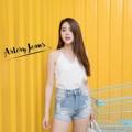 """Collection :  Korea Colors : สีซีด ( Light Blue ) Sizes : M L XL ⠀S : 24-25""""/32-33"""" ⠀M : 26-27""""/34-35"""" ⠀L : 28-29""""/36-37"""" XL : 30-31""""/38-39""""  #reviewforarteryjeans  #กางเกง #กางเกงผู้หญิง #กางเกงผู้หญิงขาสั้น #กางเกงขาสั้น #กางเกงขาสั้นผู้หญิง #กางเกงยีนส์ #กางเกงยีนส์ผู้หญิง #กางเกงยีนส์ขาสั้น"""