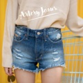 "Collection : Snow japan JJ Colors : สีเข้ม  Sizes : S M L XL  Size : S M L XL ⠀S : 24-25""/32-33"" ⠀M : 26-27""/34-35"" ⠀L : 28-29""/36-37"" XL : 30-31""/38-39""  #reviewforarteryjeans  #กางเกง #กางเกงผู้หญิง #กางเกงขาสั้น #กางเกงยีนส์ #กางเกงยีนส์ขาสั้น #กางเกงผู้หญิงขาสั้น #กางเกงขาสั้นผู้หญิง"