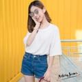 """Collection : 10inch Colors : สีกลาง Sizes : S M L XL  Size : S M L XL ⠀S : 24-25""""/32-33"""" ⠀M : 26-27""""/34-35"""" ⠀L : 28-29""""/36-37"""" XL : 30-31""""/38-39""""  #reviewforarteryjeans  #กางเกง #กางเกงผู้หญิง #กางเกงขาสั้น #กางเกงยีนส์ #กางเกงยีนส์ขาสั้น #กางเกงผู้หญิงขาสั้น #กางเกงขาสั้นผู้หญิง"""