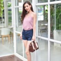 """Collection : GG (Gubgib) Colors : ( สีกรม ) Sizes : S M L XL  Size : S M L XL ⠀S : 24-25""""/32-33"""" ⠀M : 26-27""""/34-35"""" ⠀L : 28-29""""/36-37"""" XL : 30-31""""/38-39""""  #reviewforarteryjeans  #กางเกง #กางเกงผู้หญิง #กางเกงขาสั้น #กางเกงยีนส์ #กางเกงยีนส์ขาสั้น #กางเกงผู้หญิงขาสั้น #กางเกงขาสั้นผู้หญิง"""