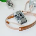 A01 Brown strap ♡♡♡ Handmade camera strap made from natural colour genuine cowhide Smooth Brown leather neck pad  สายคล้องกล้อง แฮนด์เมด ตัวสายทำจากหนังคาวน์ไฮด์มีความแข็งแรงสามารถรองรับน้ำหนักของกล้องได้เป็นอย่างดี และ บริเวณที่รองบ่าทำจากหนังวัวแท้ เมื่อสัมผัสกับบริเวณคอหรือบ่าแล้วจะรู้สึกสบายและไม่เจ็บค่ะ  Material : 2.5mm Cowhide leather & leather neck pad Size : 133-143 cm. (สามารถปรับขนาดได้อีกเล็กน้อยค่ะ ) Colour : น้ำตาล Brown Price : 1390 THB ( +shipping fee 60 THB )