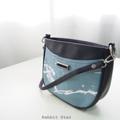 Size : W20 * H16.5 * D6 cm.  Shoulder strap : 135 cm.  Made of : PU&PVC Color : ฟ้า Blue Detail : 1 ช่องใหญ่ เปิด-ปิดด้วยซิป / 1 ช่องซิปเล็กด้านในกระเป๋า / ซับในสีดำ / อะไหล่สีเงิน  #กระเป๋า #กระเป๋าสะพาย #กระเป๋าผู้หญิง #กระเป๋าถือ